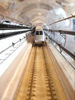 Étude d'un train dans un tunnel (Eurotunnel) dans le souffleur Bréguet